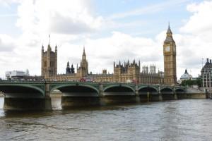 Výhled přes Temži na Big Ben a Houses of Parliament
